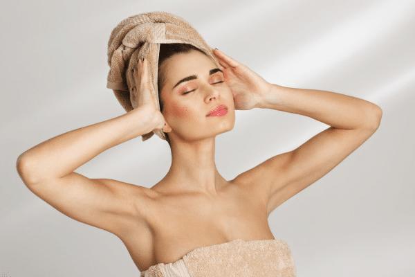 ¿Cómo sacar el máximo rendimiento a tu mascarilla o acondicionador de cabello? ¡Sigue nuestros consejos!